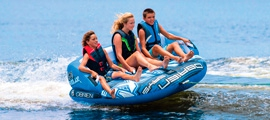 Tube kopen achter de boot. Fun tube bananeboot watersport fun